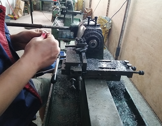 集研发,生产,销售于一体五金配件加工企业
